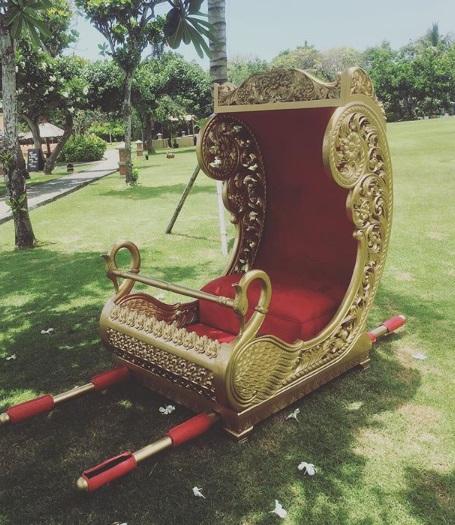 Golden Bride Dholi Rental in Bali
